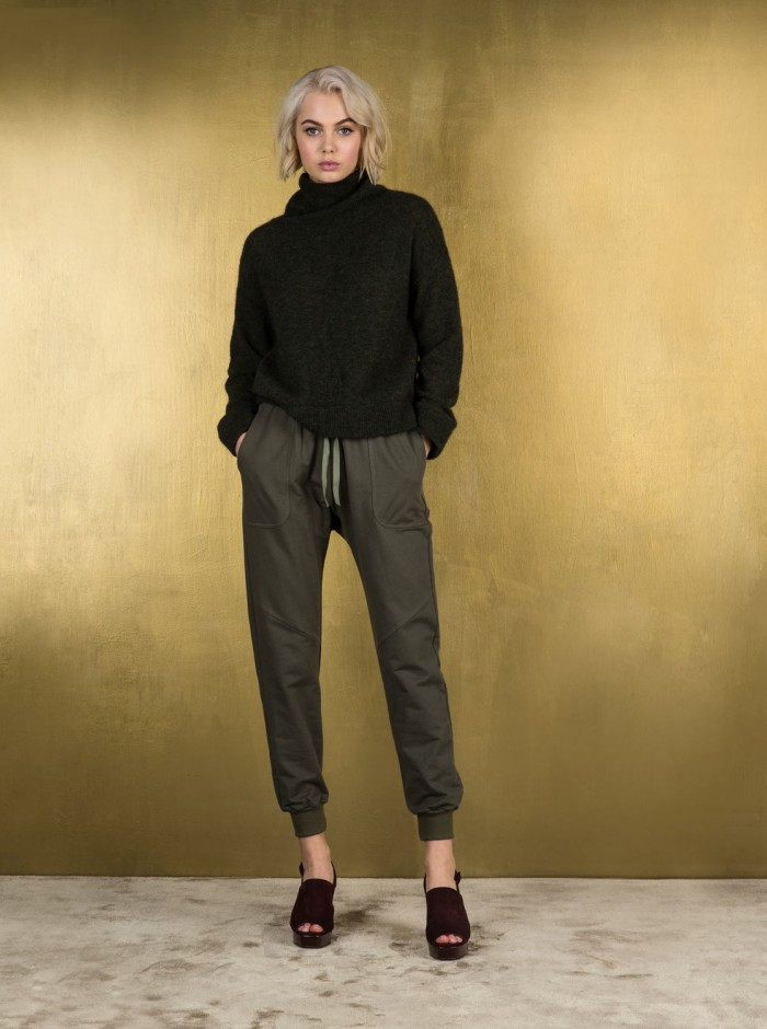 ruby-otto-turtleneck-and-rooftop-58b3b02656fd4